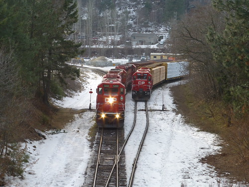 canada train bc locomotive cpr freight boxcars castlegar hotshot cp5000 cp5961 p1160650 cp5015