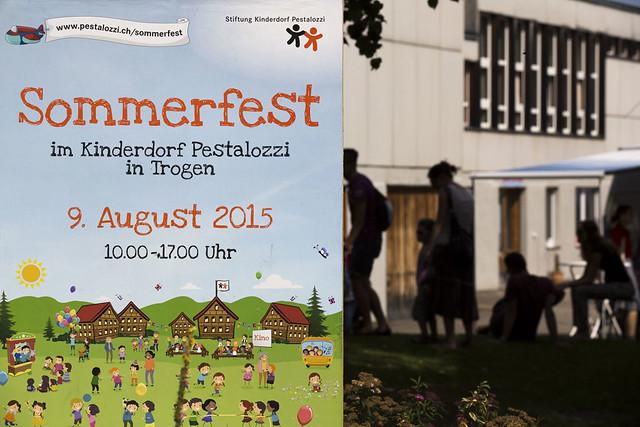 Besucher_Sommerfest 2015_Stiftung Kinderdorf Pestalozzi_Fotograf Peter Käser