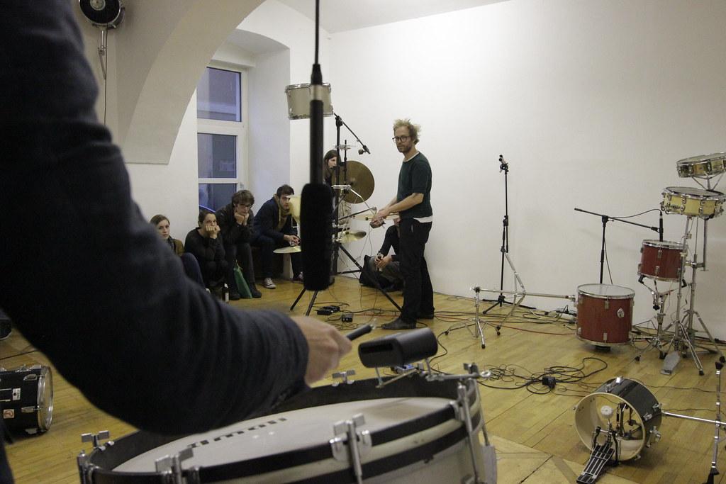 Große Trommel, keine Lösung - Markus Taxacher/Samuel Schaab