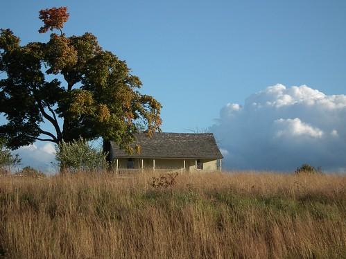 sky house tree history field grass clouds civilwar porch historical wilsonscreek rayhouse wilsonscreeknationalbattlefield americancivilwarbattlefields naturegurl01