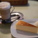 ケーキ+ココア@カフェ ブラウナー 秋葉原店
