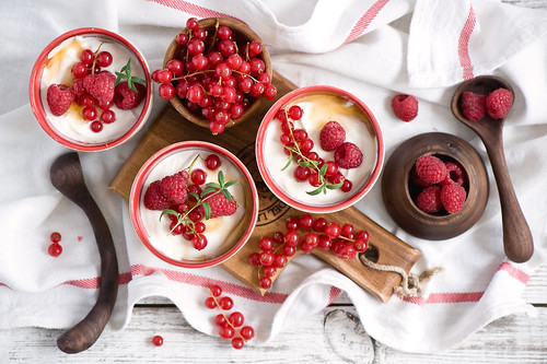 Breakfast with fresh berries and cream cheese | by The Little Squirrel