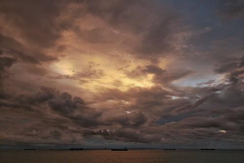 storm rain clouds sunrise holidays vacations panamacity cruises westerdam daybreak cruiseships panamacanal hollandamerica canonsl1 panamacanalcruises