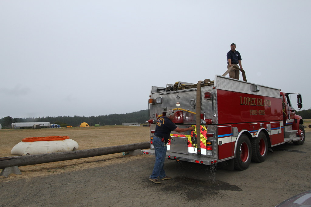 Lopez Fire Dept filling the portable water tank | BLM Chuck