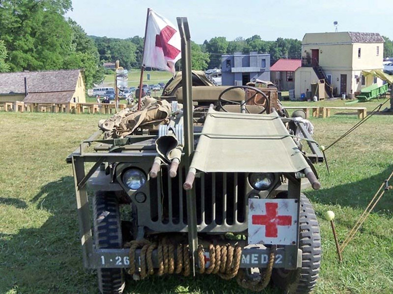 Willys MB Ambulance Jeep (5)