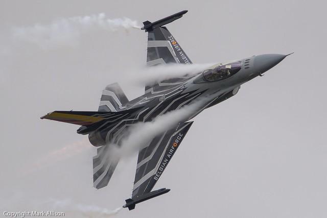 Belgian AF F-16AM 'Blizzard' Pulling some 'G' at RIAT 2015
