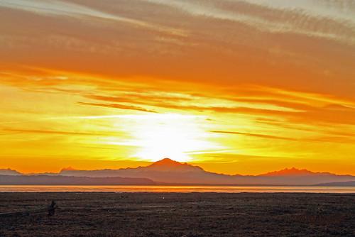 ocean sky sun canada mountains water skyline clouds sunrise landscape seaside bc britishcolumbia horizon shore boundarybay eruption mountbaker explosive nwn lowermainland deltabc