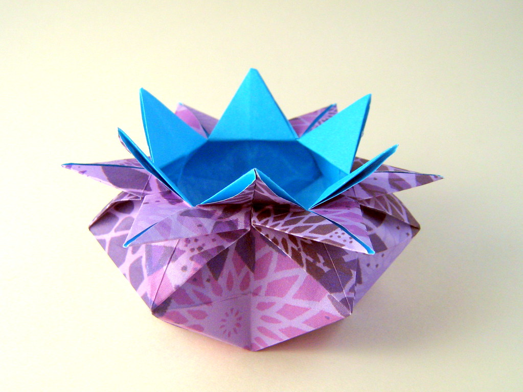 How to Make an Origami Star Box | DIY Easy Origami Star Box - YouTube | 768x1023