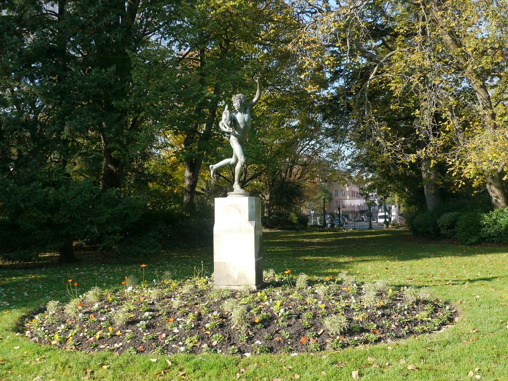 Toulouse, Haute-Garonne: jardin du Grand-rond, Le vainqueu ...