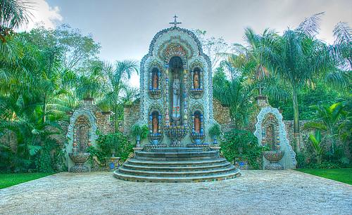 Mosaic Virgin Altar HDR