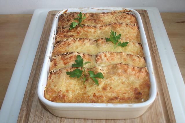 41 - Bayrischer Leberkäse-Sauerkraut-Auflauf - fertig gebacken / Bavarian meat loaf sauerkraut casserole  - finished baking