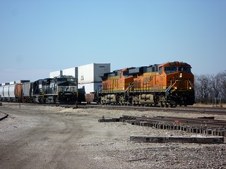 BNSF 7855 East | by redfusee