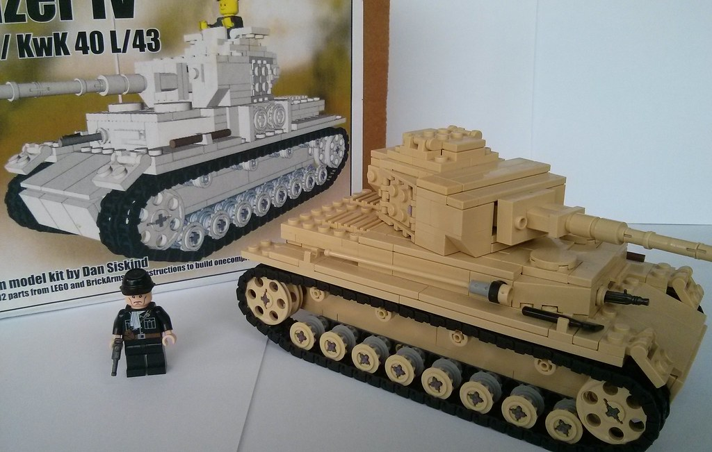 FOR SALE Brickmania Panzer IV kit | The kit comes with its o