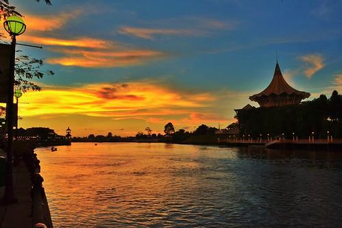 sunset colour river sarawak malaysia borneo kuching kuchingwaterfront