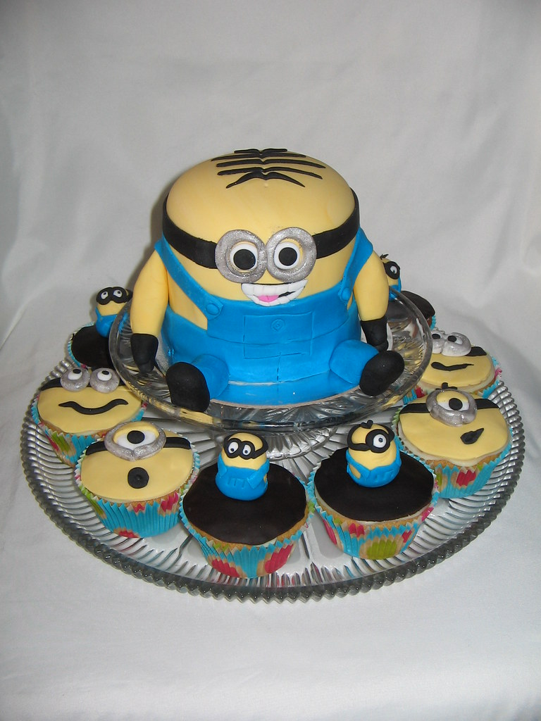 Brilliant Despicable Me Minions Birthday Cake This Is A Gluten Fre Flickr Funny Birthday Cards Online Inifodamsfinfo