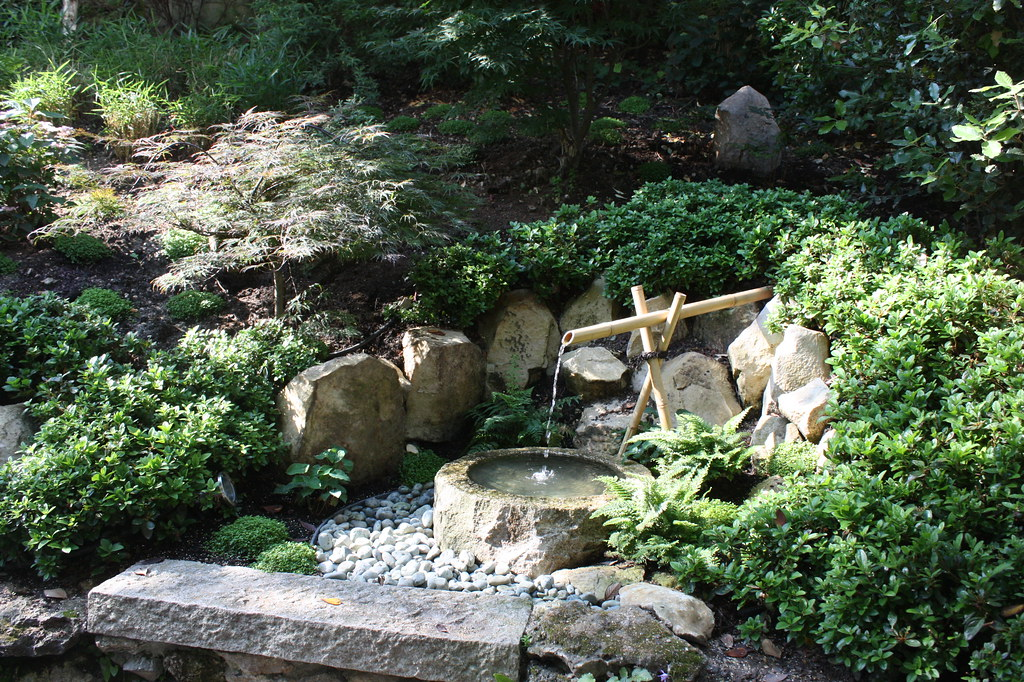 Fontaine japonaise (tsukubaï) | Jardin japonais à Meudon (92 ...