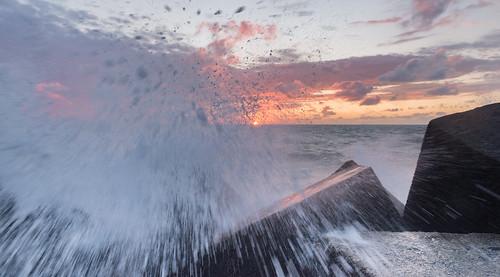 sunset sea sun water colors clouds wonderful photo nice shot action great salt gear down testing moment limit mroosfotografie iwastryingtotakeapictureofthesunset untilsuddenlytherewasabigwaveluckilyitrustmyphotogear