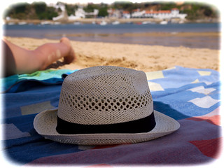 Sol, sinónimo de praia   Sun, a synonym for beach   by Z Carlos