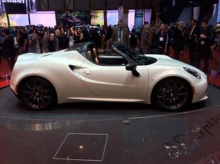 Alfa-Romeo-4C-spider-09