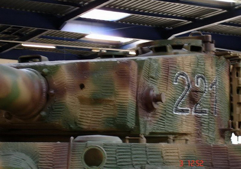 PzKpfw VIH Tiger (9)