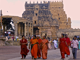 Great Living Chola Temples / Tanjore, Tamil Nadu, India   by travelben