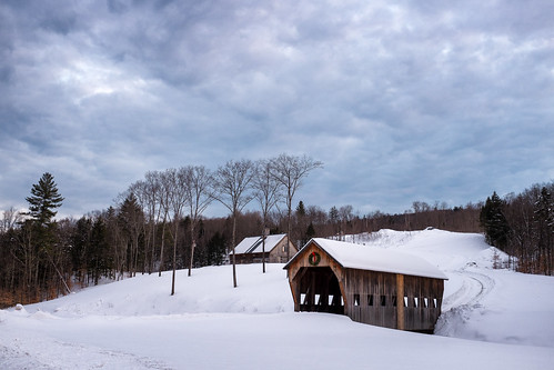 christmas winter sunset snow rural america landscape scenery vermont fuji unitedstates south snowstorm wreath coveredbridge americana fujifilm pastoral woodstock x100s