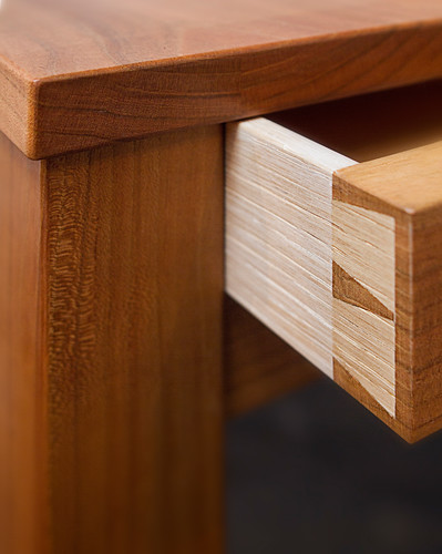 Desk002
