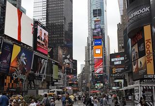 Times Square   by albertobastos
