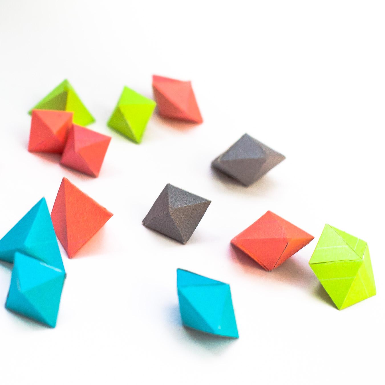 วิธีทำของเล่นโมเดลกระดาษทรงเรขาคณิต 001