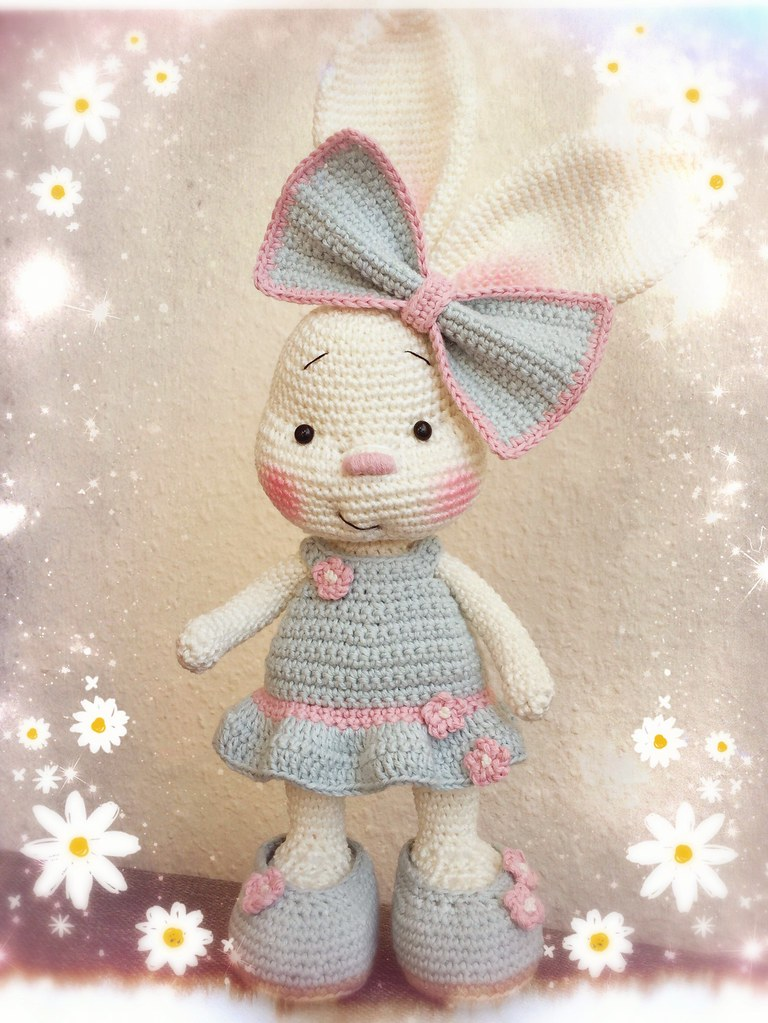 Ravelry: Pretty bunny amigurumi in dress pattern by Amigurumi Today | 1023x768