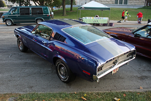 1968 Ford Mustang 2+2 Fastback (2 od 2)