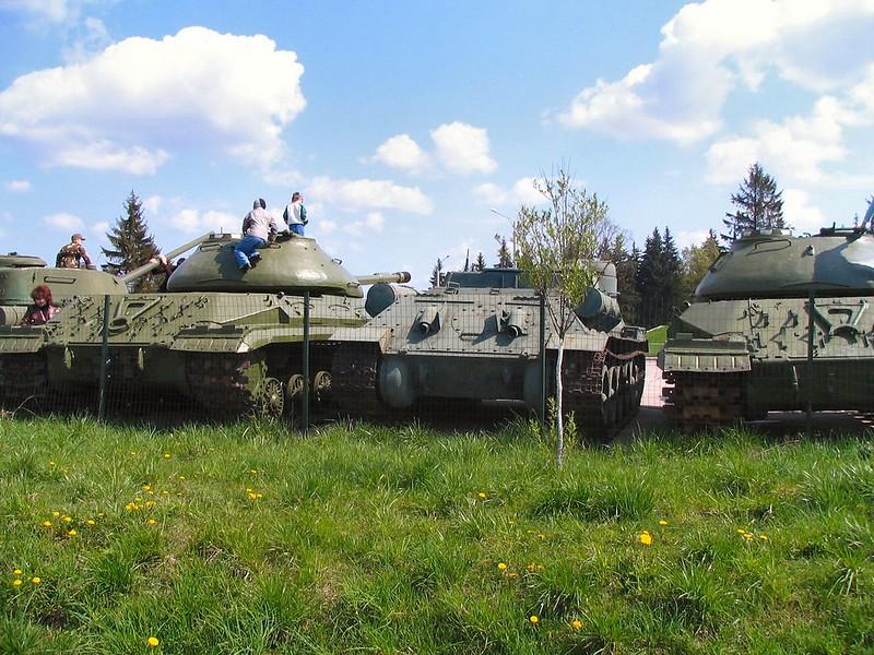 SU-100 (68)