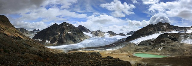 A breath-taking view around the glacier world of the Pitztal