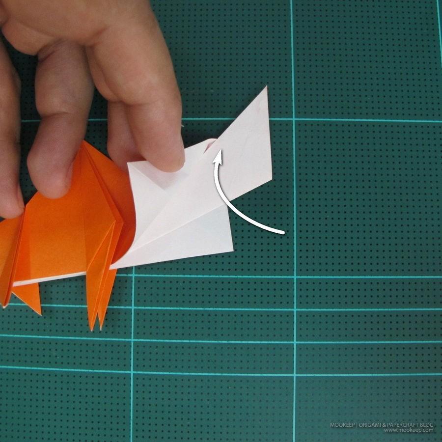 วิธีการพับกระดาษเป็นรูปไดโนเสาร์ (Origami Dinosaur) 015