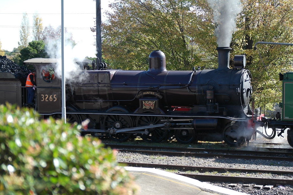 Locomotive 3265 At Moss Vale by SydNSWTrainz