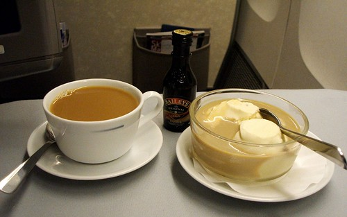 Dessert: Ice cream with Baileys & Tea In-flight Meal by United Business