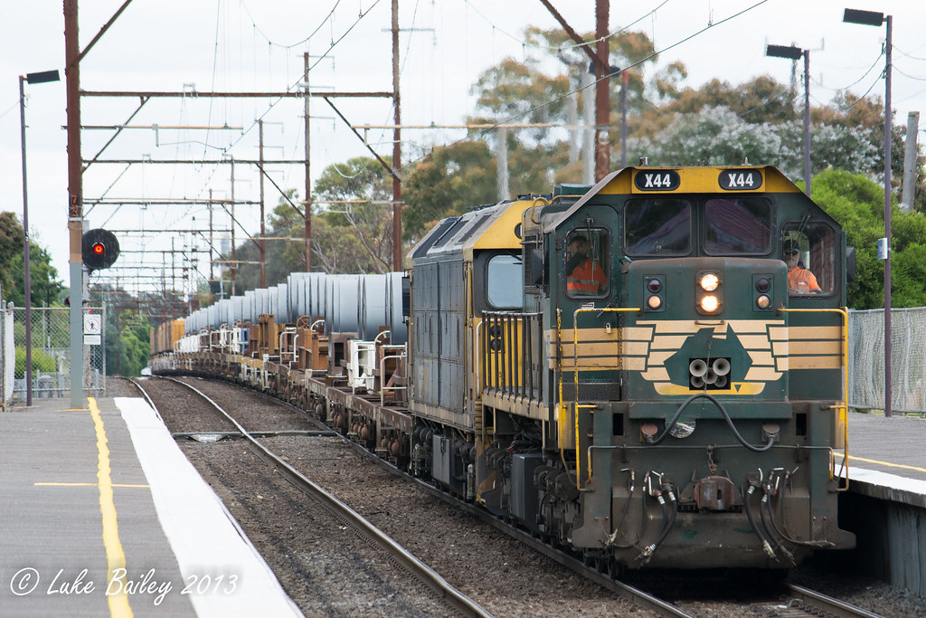 X44-BL34 with #9553 down Long Island goods at Parkdale by Luke's Rail Gallery