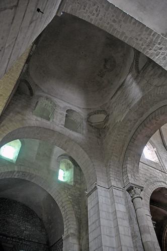 Abadia de Saint-Léger d'Ébreuil (Alvèrnia) | by Monestirs Puntcat