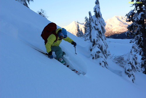 Wed, 2013-11-20 04:43 - Early turns Mt Baker area.... photo Andy Traslin... skier Mike Traslin