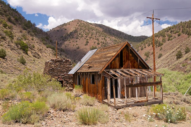 Inyo National Forest, White Mountains, Wyman Creek Road, Roberts Ranch, Cabin and Smelter