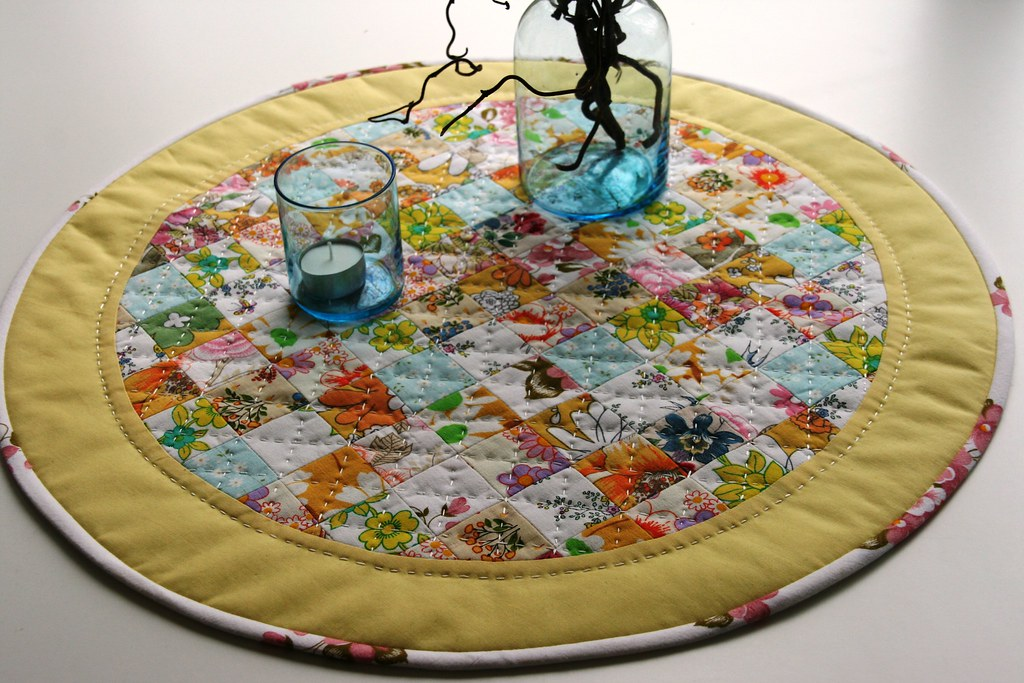 Round Table Runner/table Topper/table Mat Hand Quilted | Flickr