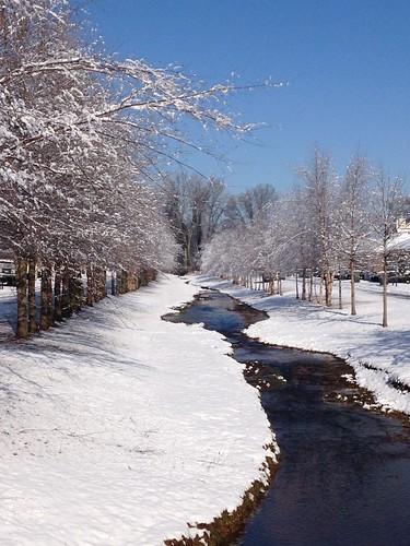 winter snow cold beautiful alabama huntsvilleal {vision}:{outdoor}=099 {vision}:{mountain}=0698 {vision}:{snow}=0661 {vision}:{sky}=0652 {vision}:{street}=0752