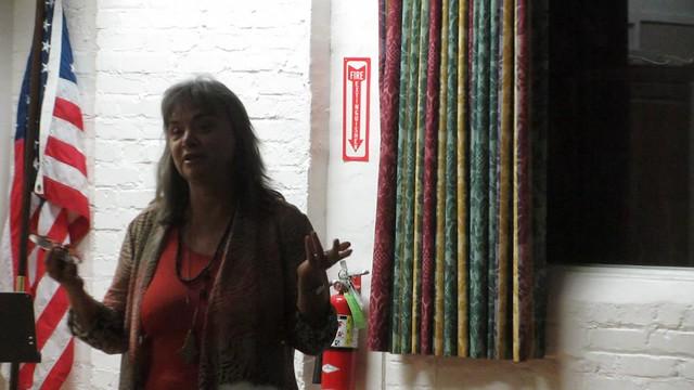 MVI_8661 SB Rose meeting Kate Warwick Smith Rose myths-003