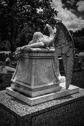 blackandwhite bw sculpture monument monochrome cemetery grave graveyard statue angel us blackwhite memorial texas unitedstates tombstone gravestone sorrow weeping grief burialground brenham angelofgrief prairielea eissler