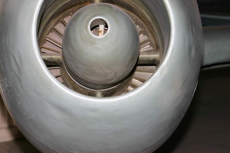 Pluma Yak-15 4