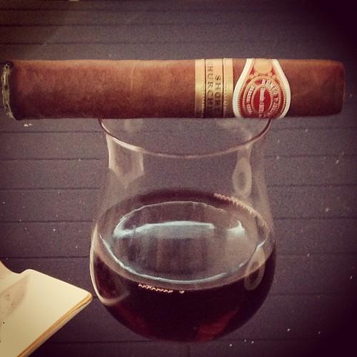 A good cigar #cigar #cigarrprat #cuban #cigarlife #cigaraficionado #cigarporn #habanos #cubancigar #nowsmoking #botl #sotl #romeoyjulietta #shortchurchill   by stefan json