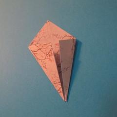 วิธีการพับกระดาษเป็นดาวสี่แฉก 010