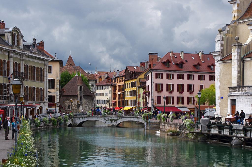 Annecy (Haute-Savoie). | La Vieille Ville. Vue depuis le pon… | Flickr