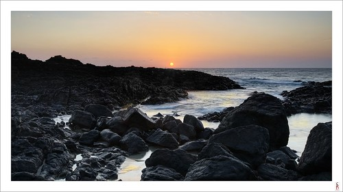 ocean seascape sunrise dawn nikon shoreline boulderbeach d90 skennarshead stephenbird