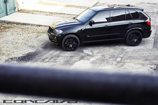 BMW X5 on 22x10.5 CW-S5 Gloss Black | by Concavo Wheels
